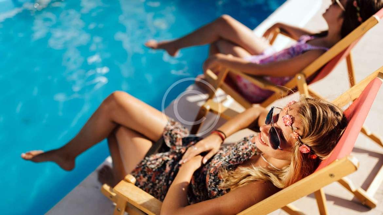 7 Refreshing Poolside Cocktails