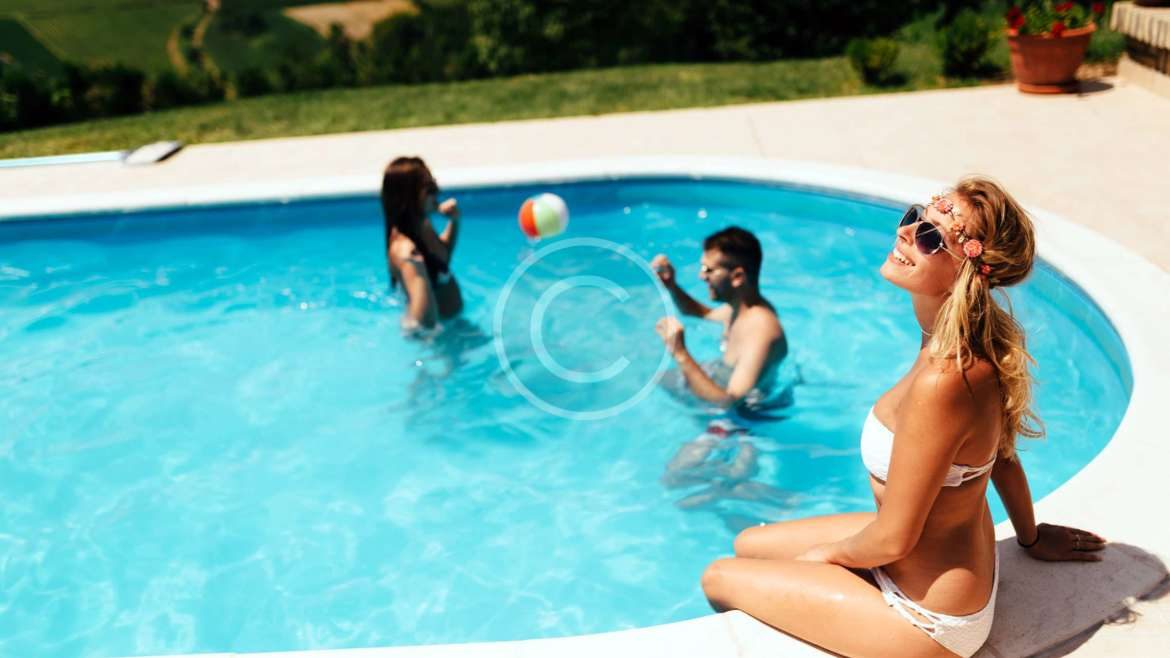 10 Pool Party Ideas to Cool Down Your Summer