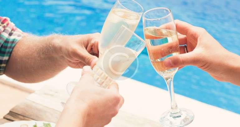 5 Hot Vegas Pool Parties